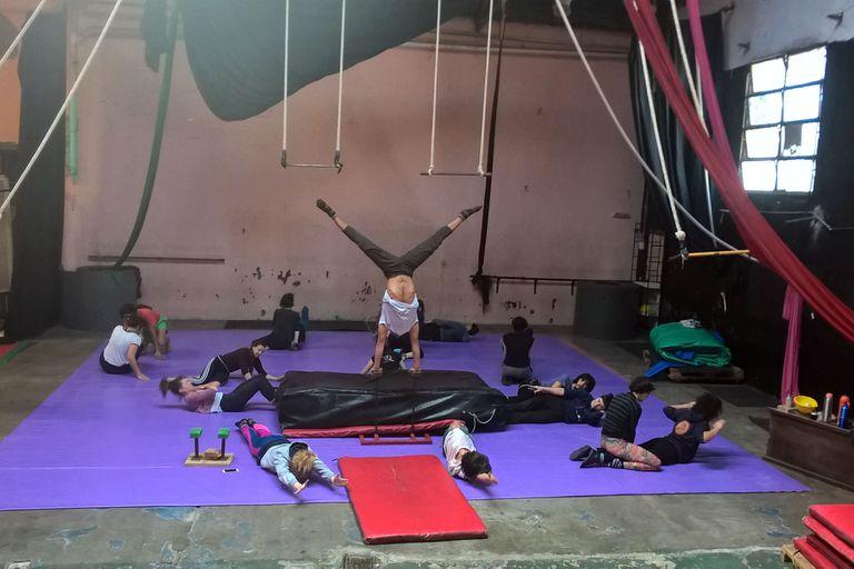 Los artistas del Circo de los Hermanos Trivenchi no dejan de ensayar y entrenar