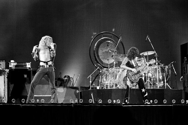 Led Zeppelin en 1975, en un extenuante tour por los Estados Unidos