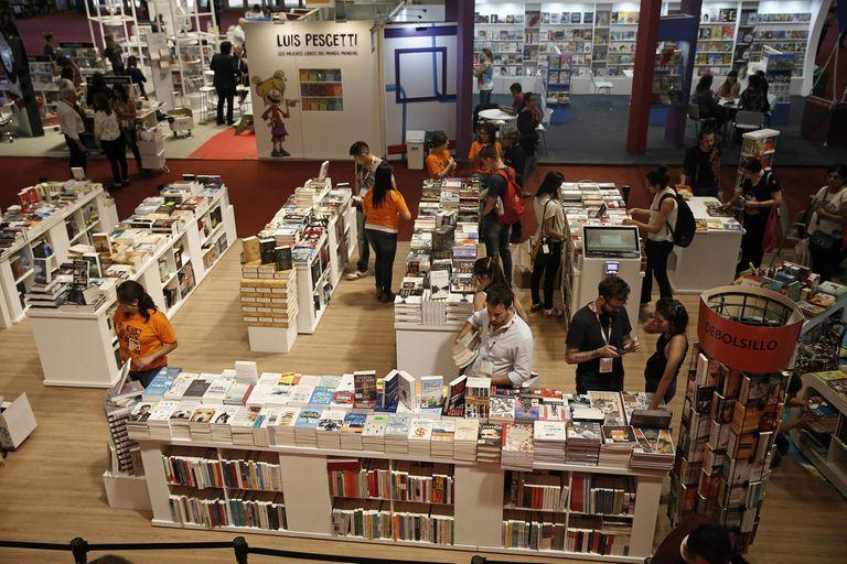 La Feria del Libro abre hoy en La Rural con marca de Nobel y acento uruguayo