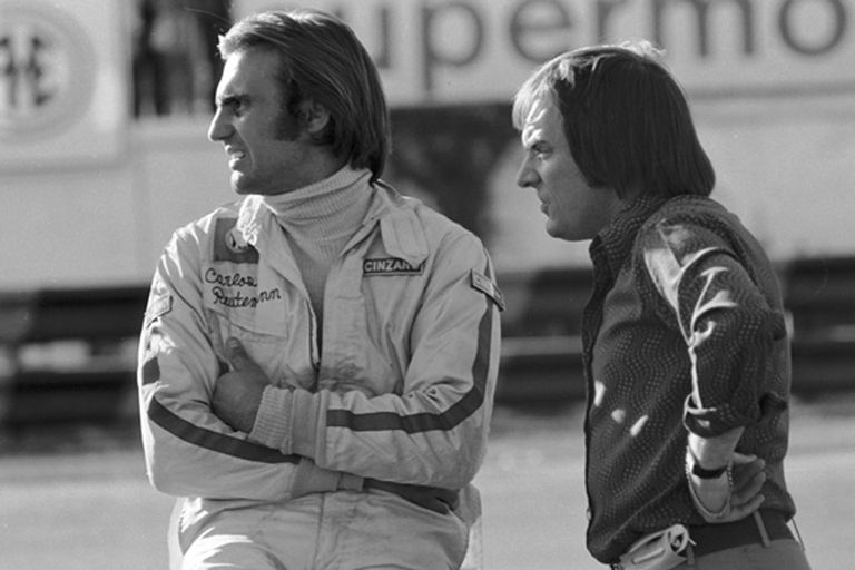 Carlos Reutemann y Bernie Ecclestone en 1972