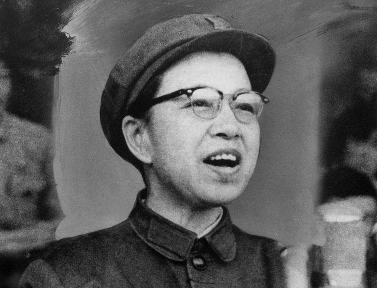 """Los encendidos discursos de la esposa de Mao inspiraron a los jóvenes a alzarse contra cualquier figura de autoridad que consideraran """"contrarrevolucionaria"""""""