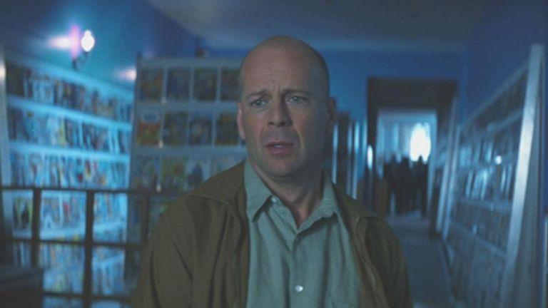Bruce Willis en el final de El protegido