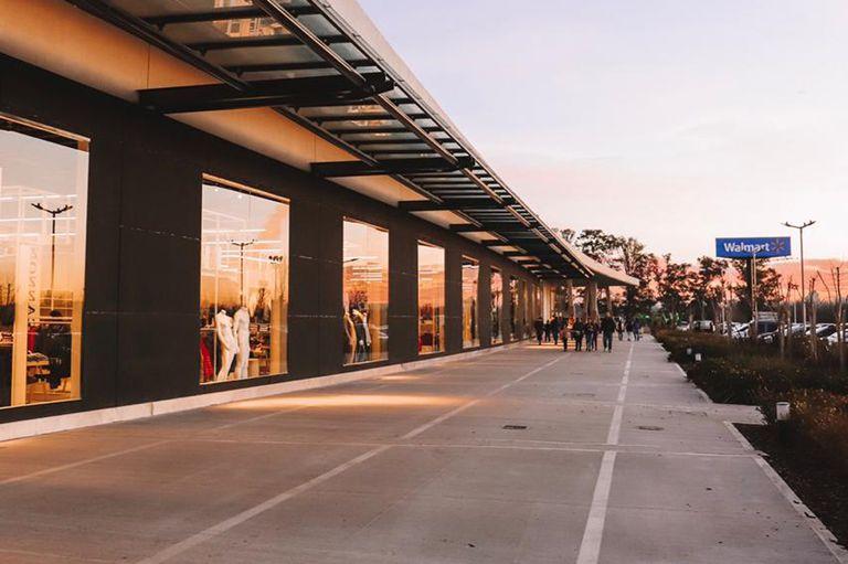 El Luxury Outlet funciona dentro del flamante shopping Luján Walk