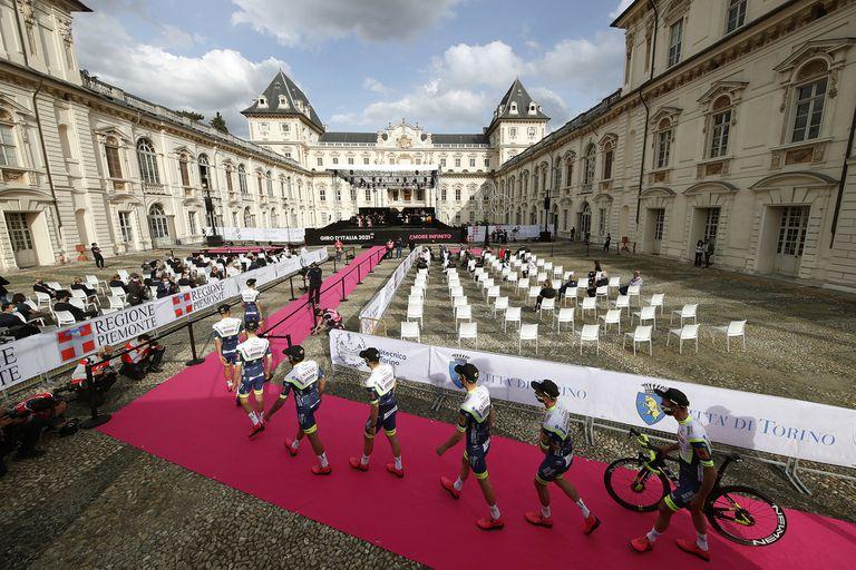 Se larga el Giro de Italia, la prueba ciclística más pasional, con dos argentinos