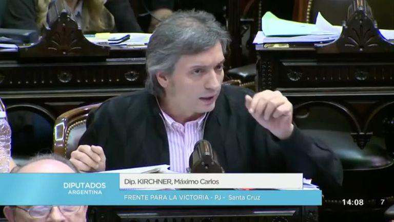 Maximo Kirchner durante el debate en Diputados sobre el impuesto a las ganancias