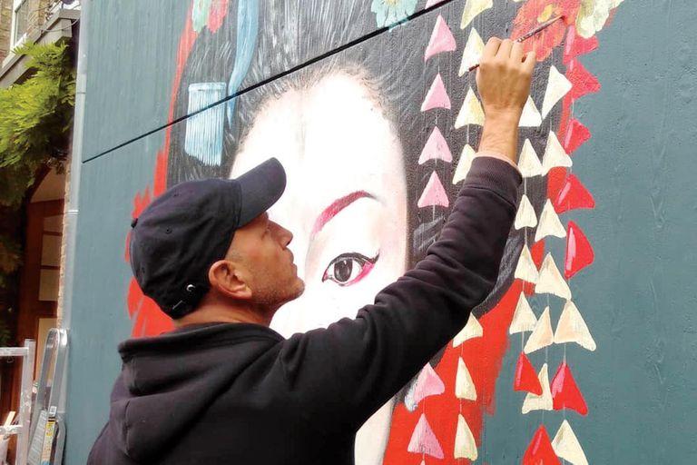 Piatti es reconocido, además, por sus murales y papeles pintados para decoración. Actualmente vive y trabaja en Bélgica.