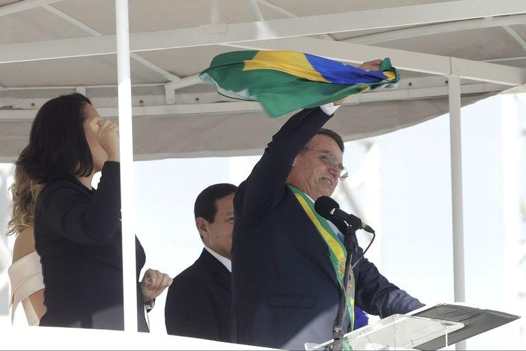 """Bolsonaro: """"Hoy el pueblo comenzó a liberarse del socialismo"""""""