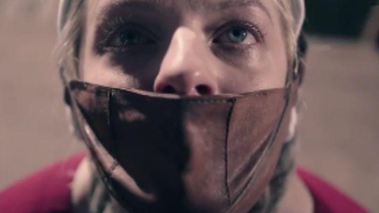 El horror de The Handmaid's Tale continúa y suma a su mundo a Marisa Tomei