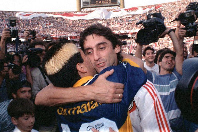 Maradona y Francescoli en el River-Boca del 26 de noviembre de 1995.