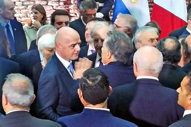 Un alto en el G20: Macri se enojó con la Conmebol por llevar la final a Madrid