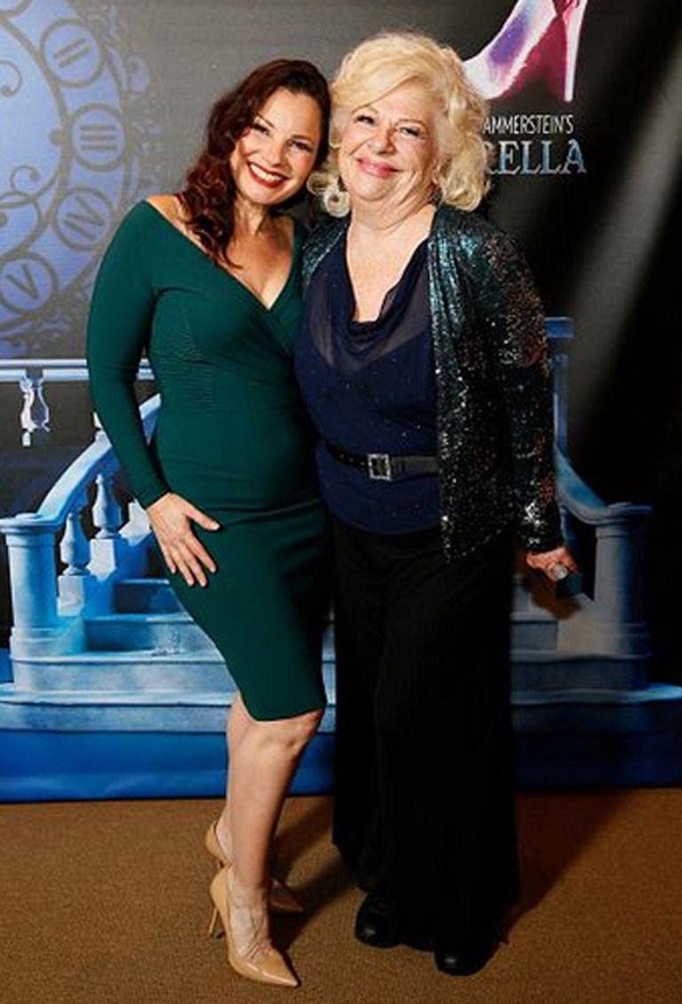 Renée Taylor, la actriz que componía a la mamá de la niñera, también estuvo presente