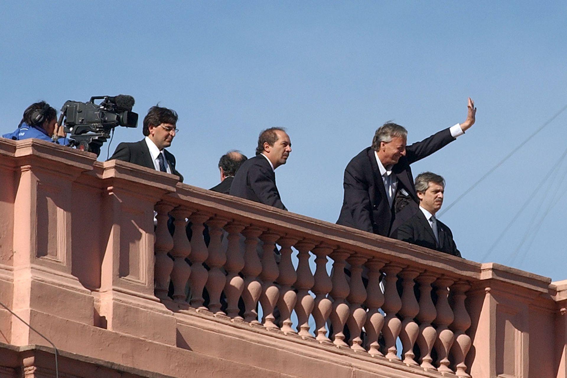 Junto al Presidente Néstor Kirchner en la terraza de la Casa Rosada, durante los festejos del 25 de mayo de 2006