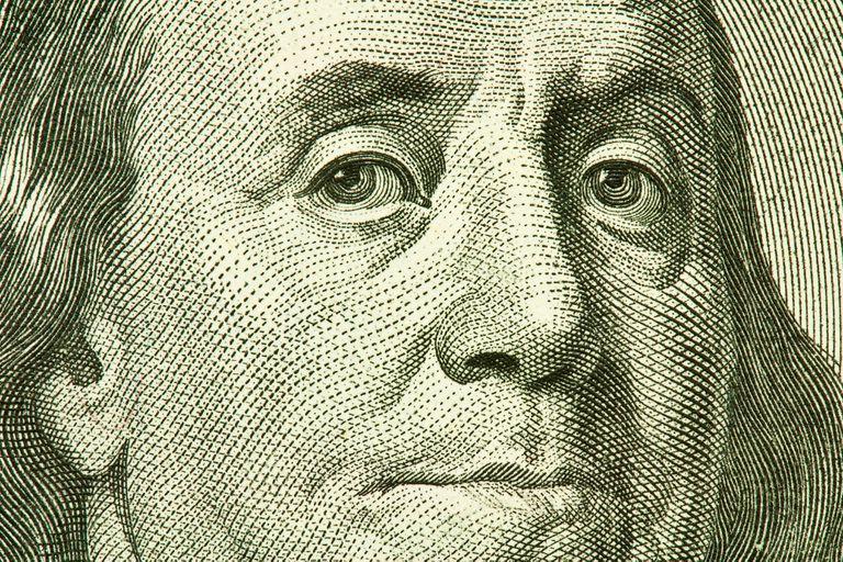 Mayo fue un mes récord en cantidad de dólares comprados en el mercado oficial y en cantidad de compradores