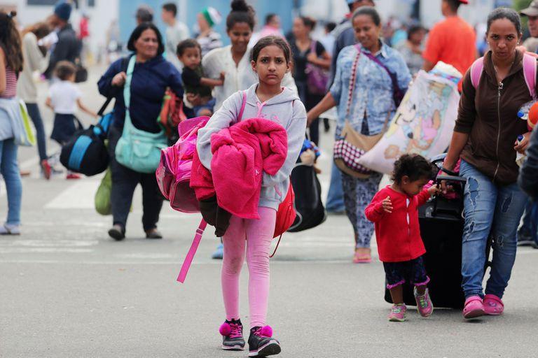Mujeres y chicos venezolanos, los más vulnerables en la ola migratoria venezolana