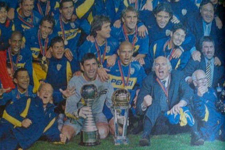 El festejo de los jugadores de Boca y Bianchi ante Milan, en 2003