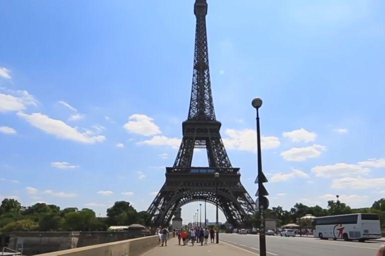 Un trayecto virtual rumbo a la torre Eiffel, en el corazón de París