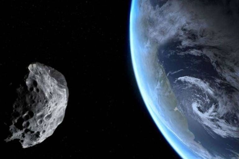 El asteroide Apophis -que significa dios del caos en griego- mide unos 350 metros de diámetro y fue observado por primera vez en el año 2004