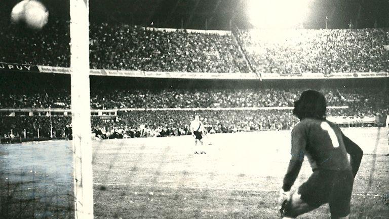 El remate de Suñé ya se metió en el ángulo y Boca le gana a River la única final que jugaron entre ambos