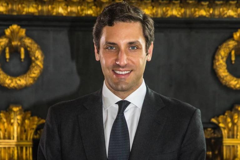 Jean-Christophe Napoleón es descendiente directo de Napoleón Bonaparte y pide por el restablecimiento de la monarquía en Francia