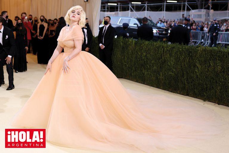 Billie Eilish: del estilo oversized al ultrafemenino de la cantante ícono del pop