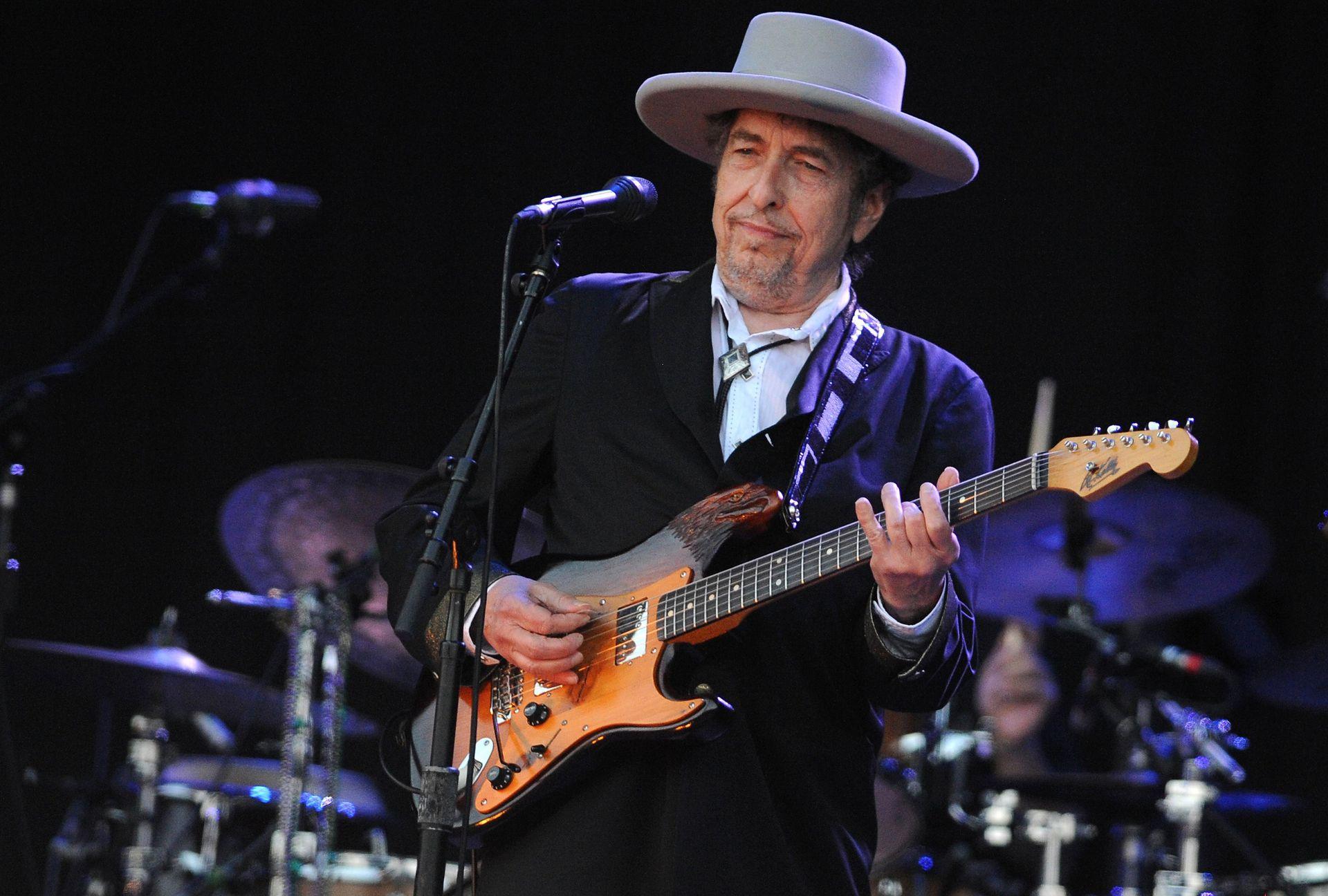 Bob Dylan tocando en Francia en 2012