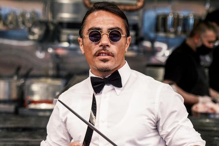 El excéntrico chef internacional se prepara para abrir el primer restaurante en Londres donde ofrecerá su platillo bañado en oro