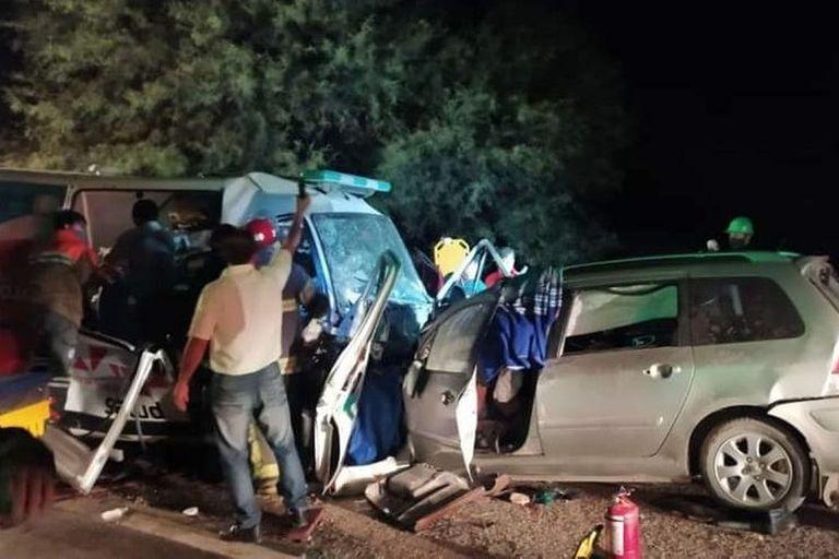 La Rioja: nueve personas murieron tras un choque entre un auto y una ambulancia