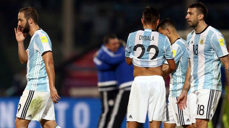 El lamento del equipo argentino tras la derrota ante Paraguay, la primera en la historia como local