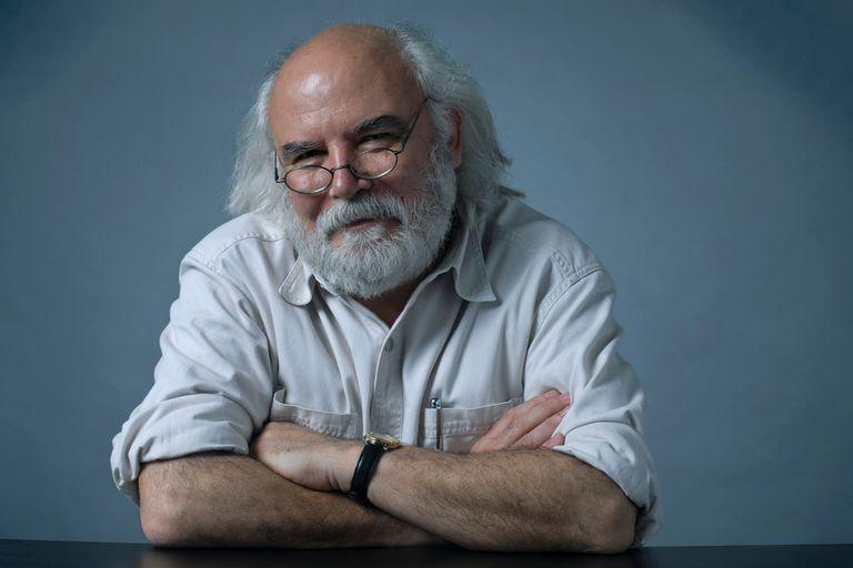 Juan Sasturian asumirá el lunes como nuevo director de la Biblioteca Nacional