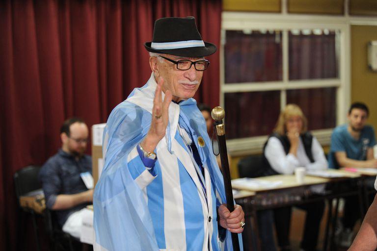 Jorge Williams, el sastre que fue a apoyar a Macri