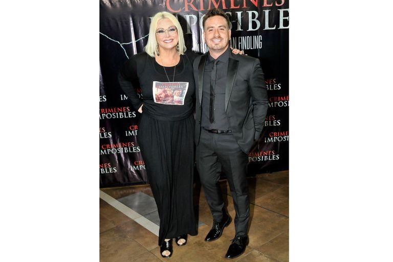 Federico Bal, contento junto a su madre, Carmen Barbieri