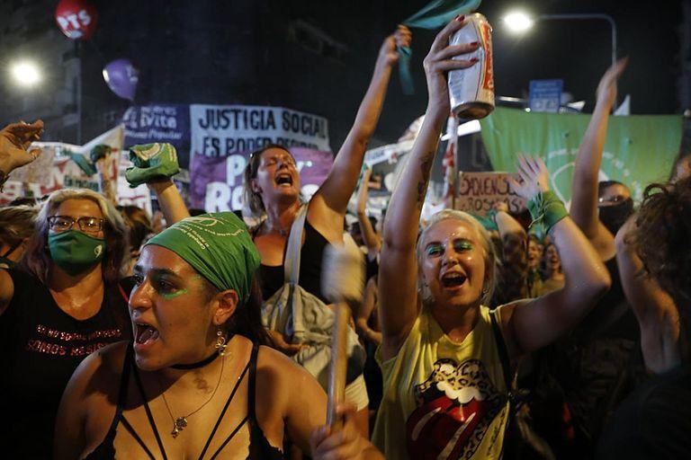 Una multitud inundó el Congreso para exigir la legalización del aborto