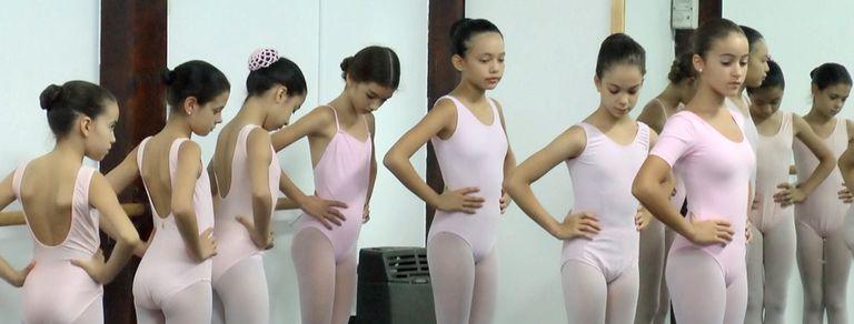 Un sueño con alas: el primer año de los futuros bailarines del Teatro Colón
