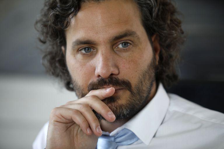 Santiago Cafiero, galán tóxico de sangre azul