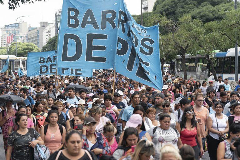 Integrados al Gobierno, los movimientos aprueban el arranque de Fernández