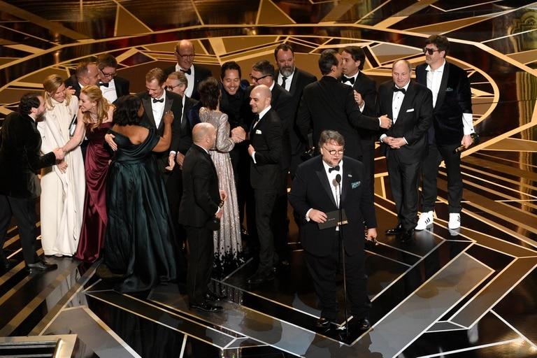 El mexicano Guillermo del Toro también se quedó con el Oscar al mejor director; Frances McDormand, Gary Oldman, Allison Janney y Sam Rockwell, los ganadores en las categorías actorales