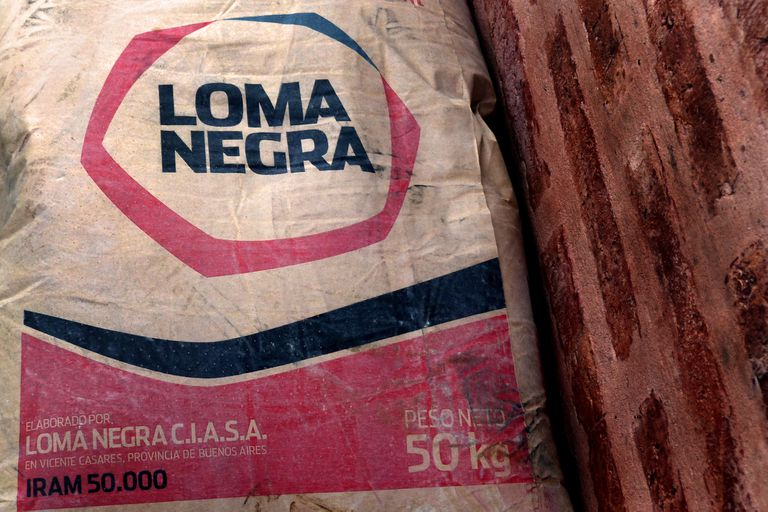 El conflicto gremial continua y la planta de Loma Negra en Olavarría sigue con sus hornos apagados