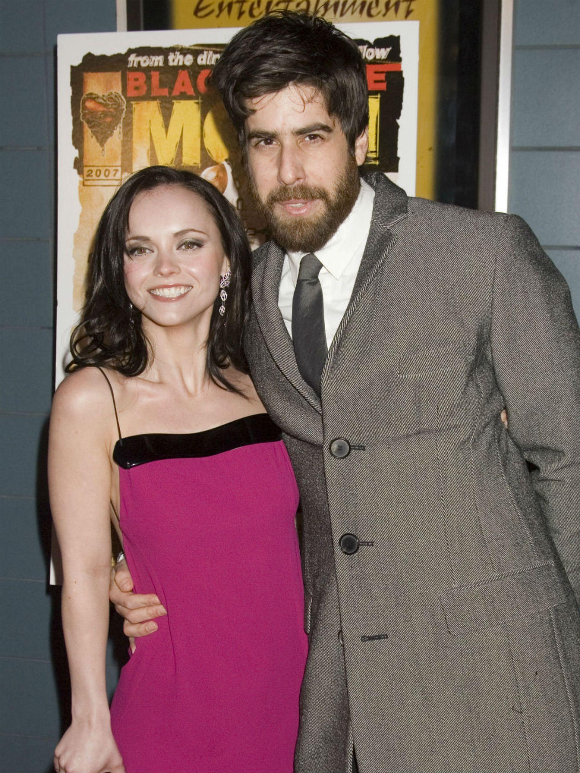 La pareja, poco antes de separarse en 2007; Ricci quería casarse y a los dos años se comprometió con el humorista Owen Benjamin