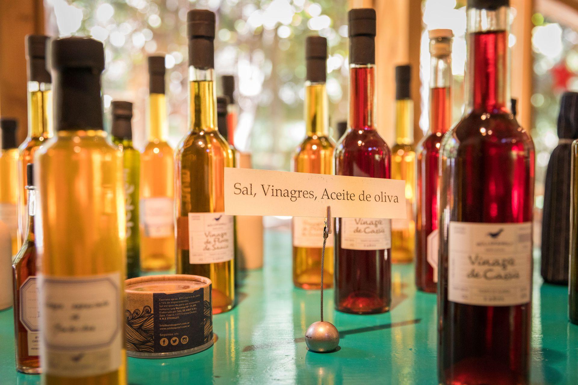 Los dressings y vinagres de cassis y flores de sauco, entre otros, son elaborados de forma orgánica.