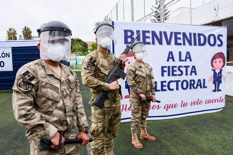 06-06-2021 Personal militar durante las elecciones presidenciales en Perú POLITICA SUDAMÉRICA PERÚ ONPE PERÚ