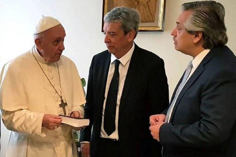 """""""Se trata de algo totalmente inaceptable. El Papa nunca eligió al embajador de ningún país"""", señalan desde la Santa Sede"""
