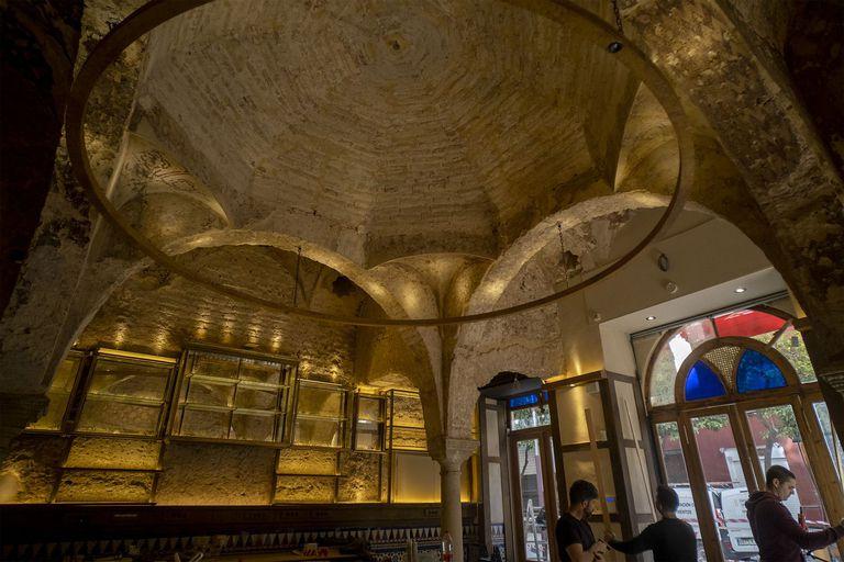 Baños árabes descubiertos en las obras de la cervecería Giralda, en Sevilla