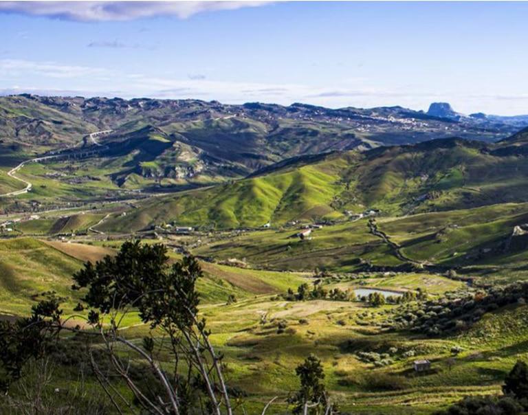Los valles que rodean Cammarata