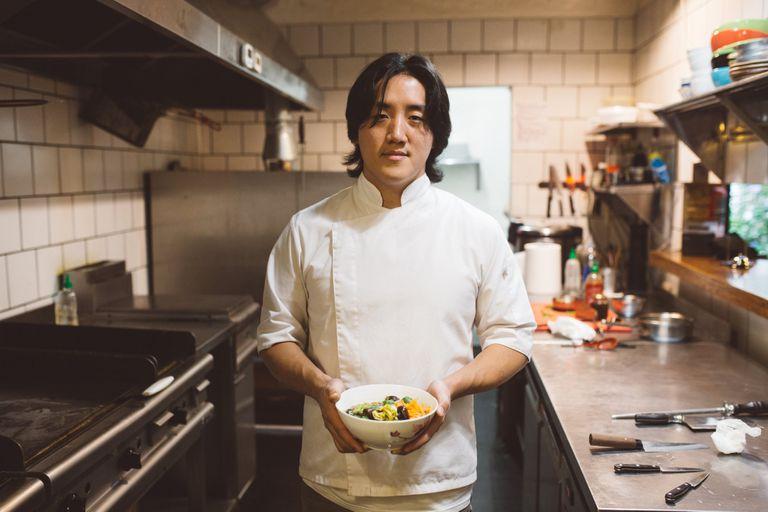 Pablo Park: lejos del mundo textil, hoy sorprende su comida coreana en Argentina