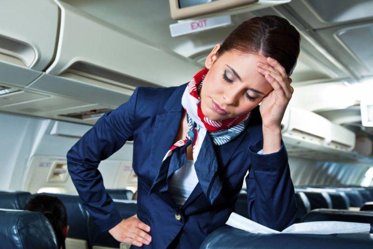 Dentro de los tips, recomienda desinfectar los espacios y no circular sin calzado debido al poco tiempo de higienización de las aeronaves