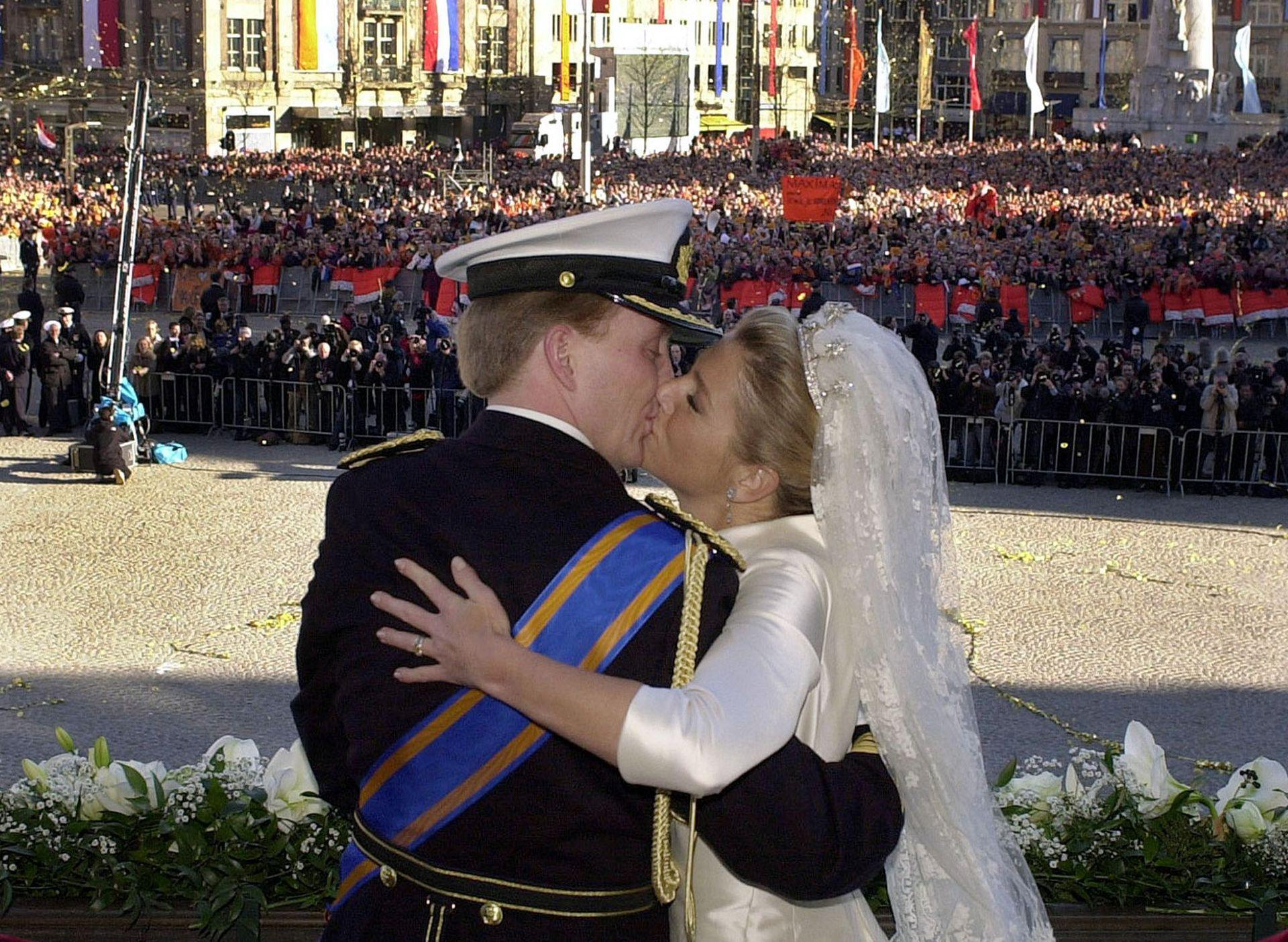 900 millones de personas de todo el mundo siguieron por televisión la boda, el día en que Máxima, una plebeya argentina, se convirtió en princesa de Holanda