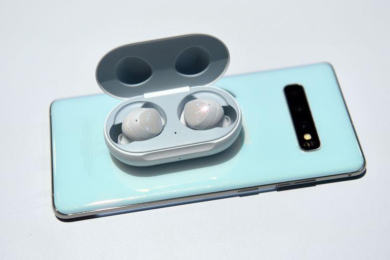 El Galaxy S10e y Galaxy S10 incluirán los auriculares Galaxy Buds en la preventa