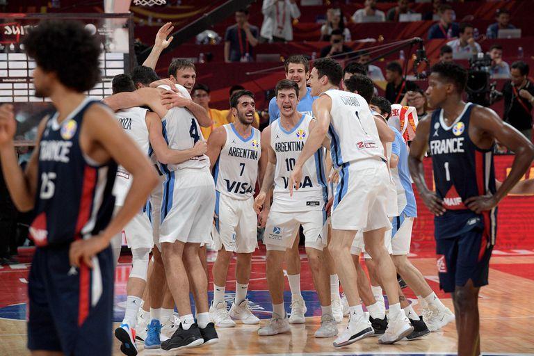 El festejo de la selección luego de vencer a Francia en el Mundial de China 2019.