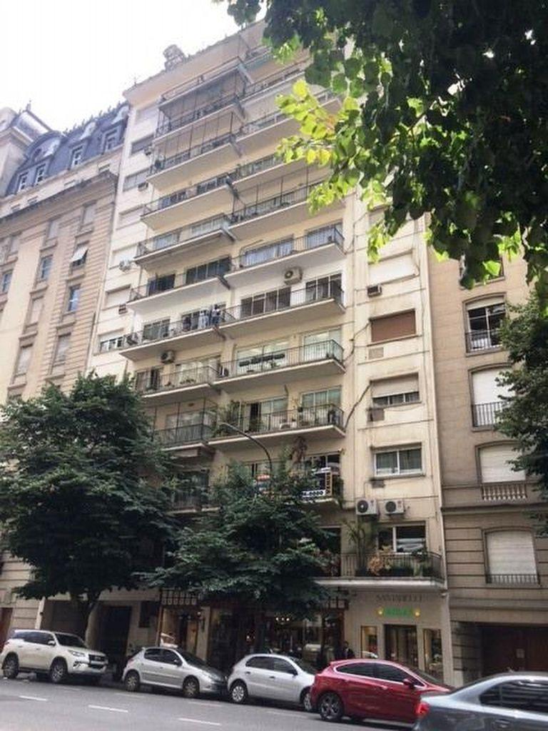 Dos departamentos se rematan sobre la elegante avenida Alvear