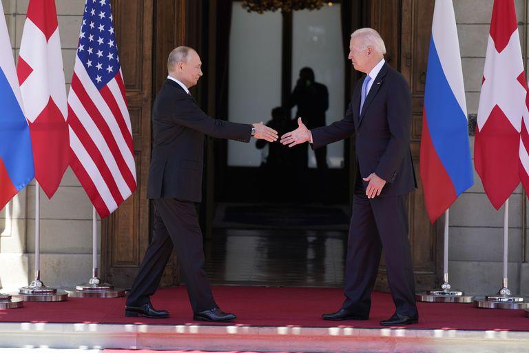 Tras la cumbre en Ginebra, Estados Unidos prepara nuevas sanciones contra Rusia